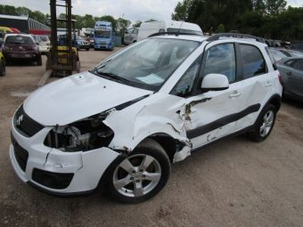 LHD SUZUKI SX4 1.5 GL - 2WD Accident damaged