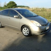 LHD Toyota Prius 1.5 Hybrid T4 CVT 5dr Accident damaged